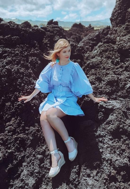 abito Azul sugli scogli